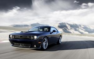 2015-Dodge-Challenger-SRT-Motion-3-2560x1600.jpg