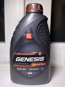 Lukoil Genesis Armortech GC 5W-30 photo1.jpg